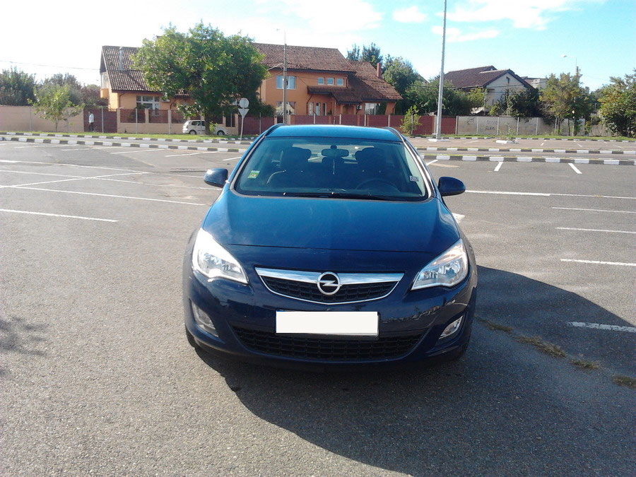 car rental opel astra j sw in bucharest at prices from 27. Black Bedroom Furniture Sets. Home Design Ideas